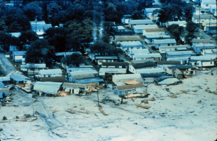 Hurrican Hugo's dameage to a mobile home park in SC, wikimedia commons